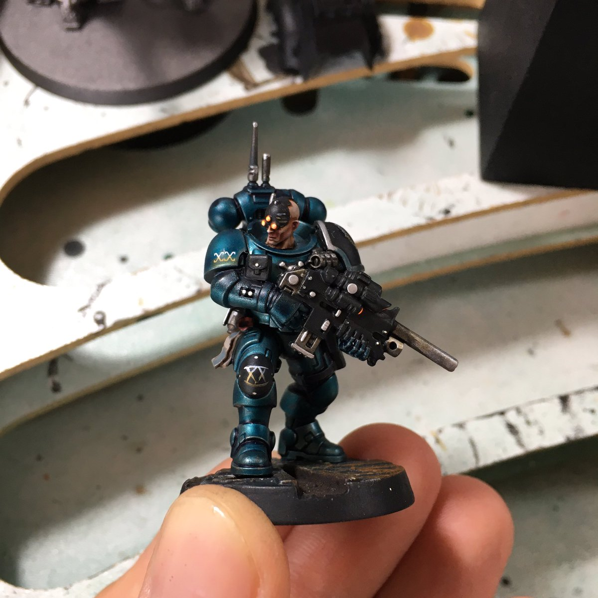 Alpha Legionnaire WIP II  #paintingwarhammer #gamesworkshop #warhammer40k #paintingblacklibrary #paintingwarhammer40k #warhammercomunity #paintingforgeworld #spacemarines #new40k #adeptusastartes https://t.co/4r4XMgOlKw