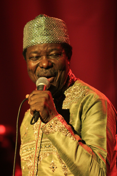 #ondisday #22September1946 Sunday Adeniyi Adegeye, MFR (King Sunny Adé) was born in Osogbo, Osun State. He is seen as one of the most influential Nigerian musicians of all time. In December 2016 he was inducted into Hard Rock Cafe Hall of Fame. https://t.co/LKvQezpmdG