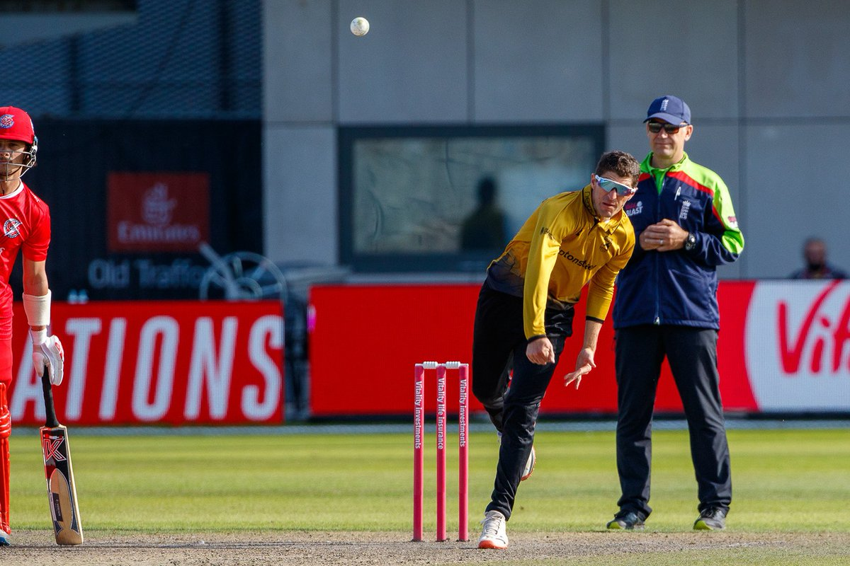 Your Man of the Match from the victory over Lancashire Lightning is the Skipper!  He finished with 2⃣9⃣ from 2⃣8⃣ balls with the bat and stellar figures of 4⃣-0⃣-1⃣8⃣-3⃣ with the ball 🌪️  🦊 #runningfoxes https://t.co/fYIqgi1MU3 https://t.co/vGJIRNEVno