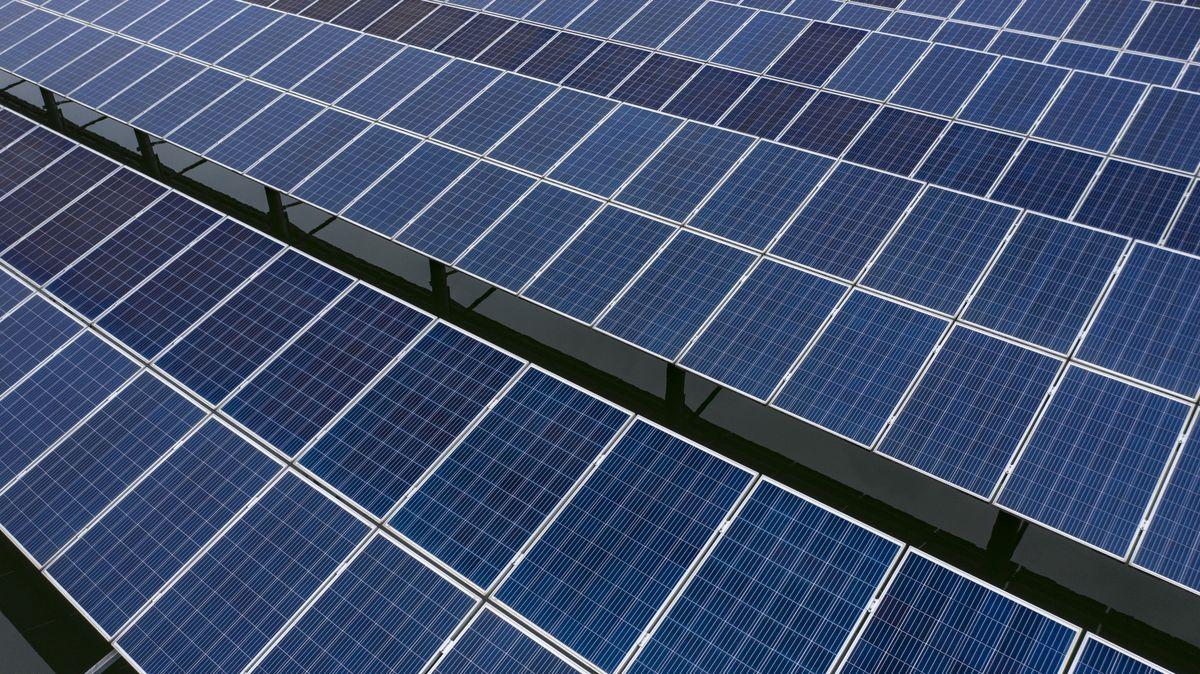 Çinli Kömür Şirketi, 3 GW'lik #Güneş Enerjisi Santrali Kurucak. https://t.co/cYayYvjBrM @SolaristTR @GunderSolar #enerji #fosilyakıt #solar https://t.co/PjbGC6Hw5d