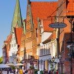 Image for the Tweet beginning: Isn't Lüneburg just simply gorgeous?