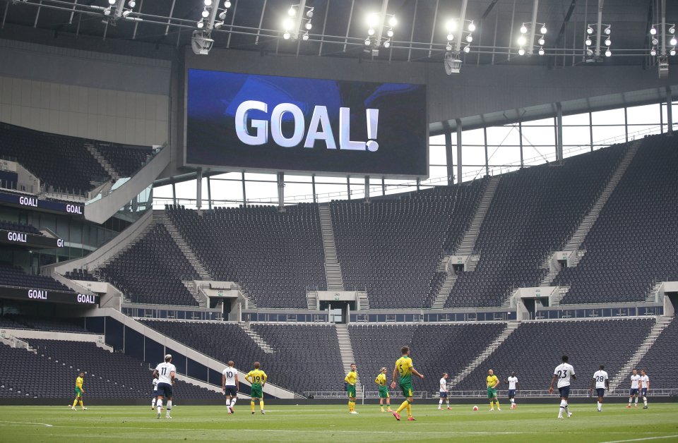 """Plans for fans to return to watch live sport events in England from 1 October will not go ahead, says cabinet office minister Michael Gove. UK's Covid-19 alert level has moved to 4, meaning transmission is """"high or rising exponentially"""". Pilot programme will also be paused. #COYS https://t.co/BRm7mmgEZT"""