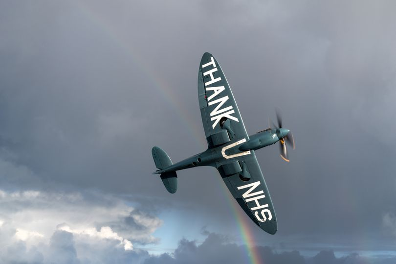 Don't forget the NHS Spitfire will be flying past our hospitals this afternoon carrying a special message of thanks. Castle Hill Hospital will receive a visit at 3:03pm and Hull Royal Infirmary at 3:05pm. Don't forget to look up! More info:  https://t.co/goql8B36E9 https://t.co/zdIa3qKeFG