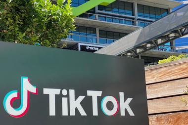Tiktok: Oracle y Walmart, a un paso de tomas las riendas de la app en EE.UU. https://t.co/8ffeEvrNh8 https://t.co/SQXGVirlzM