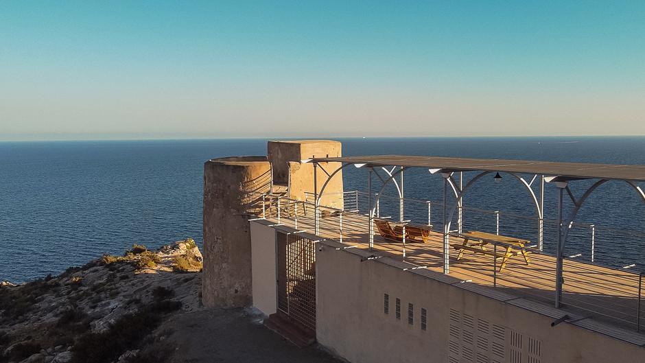 #ViveAndalucia | Mirador Torre de La Garrofa o cómo dormir en una torre vigía con vistas a la costa de Almería https://t.co/CfZCRI5g0Y a través de @CNTravelerSpain #Almeria https://t.co/OMZjcyTNyu