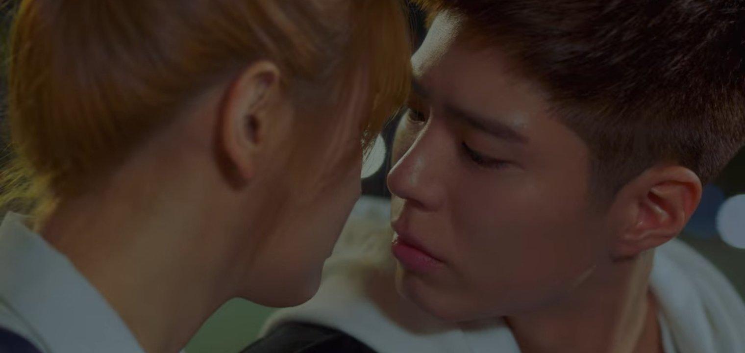Record of Youth tập 6 vẫn nhạt thếch trừ màn chốt đơn lia lịa bằng môi của Park Bo Gum - Ảnh 17.