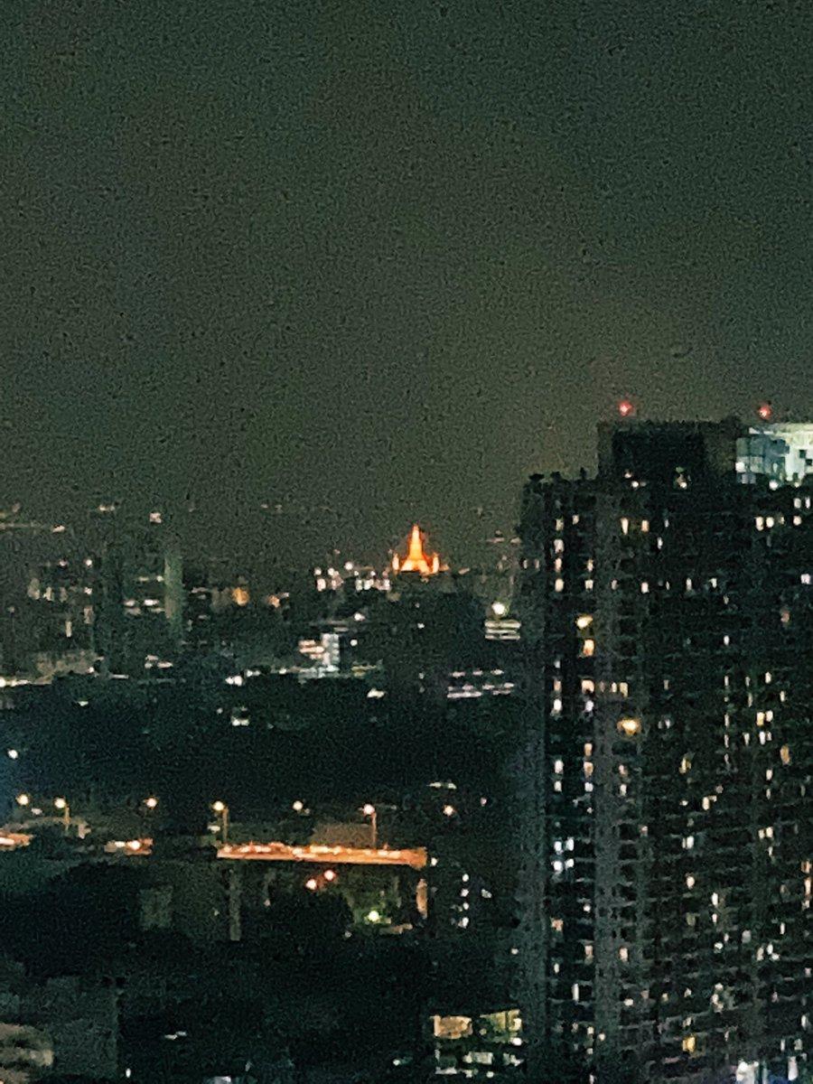 test ツイッターメディア - 引っ越した友人のアパートが最高らしい…いつも道は混んでるし微妙に駅から遠いし🤔理由を尋ねたら「窓からちっさくワットアルンが見える」との事😳最初の夕方の写真では分からなかったなぁ💦 https://t.co/ZRlkAjs1ss