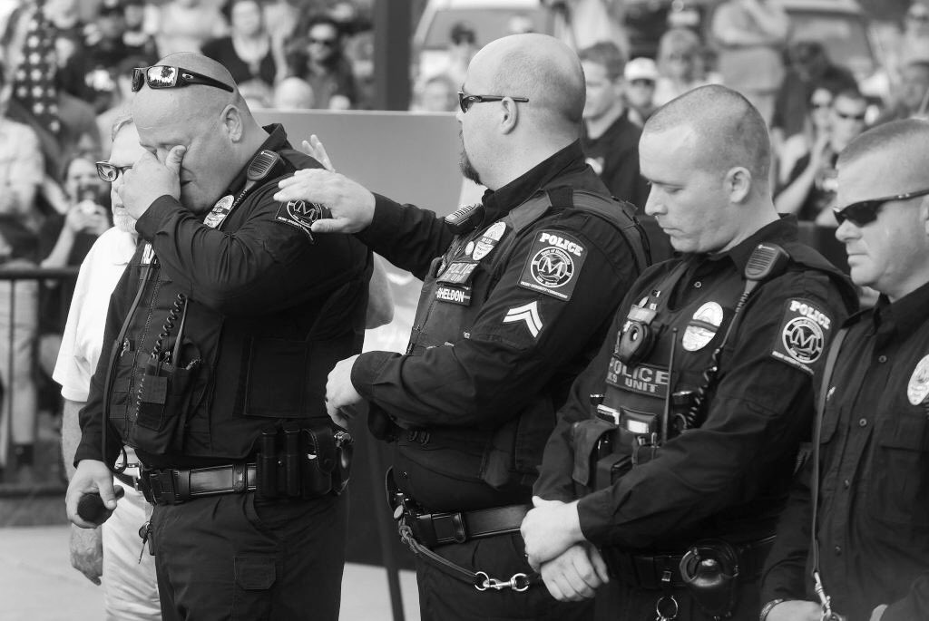 I feel inspired. Let's create a post celebrating our men and women in law enforcement.  #BackTheBlue  #ThinBlueLine post your favorite picture. I would love to see them all. Comment on the ones you like.
