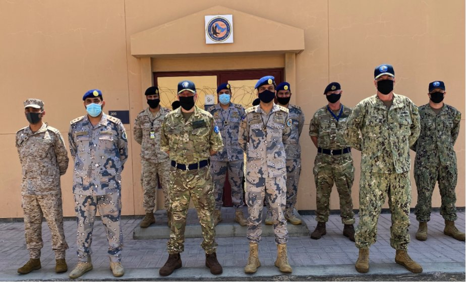 Commodore Bassett, Deputy Commander of CMF, visited CTF 152 to welcome their new commander, Captain Alqahtani, as well as to wish the Saudi Border Guard team a happy National Day for the Kingdom of Saudi Arabia tomorrow. 🇸🇦 🔗 bit.ly/2RL11NI #ReadyTogether @BG994