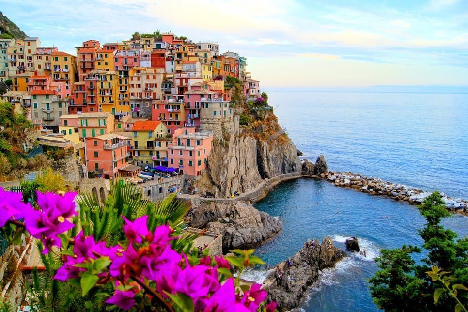 Nestled along the cliffs, on the Italian Riviera lies the breathtaking #CinqueTerre. Join us for a private tour, where along with your expert, local guide, you can customize your journey to this beautiful corner of #Italy https://t.co/JYj07czHPf #takewalks https://t.co/9jBjgIbvVJ