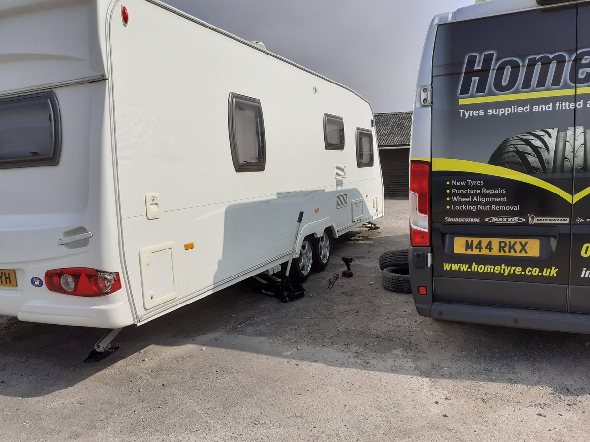 In the middle of fitting 4 new tyres to this #lunar #caravan in #Goring https://t.co/QyrTdzzNY5