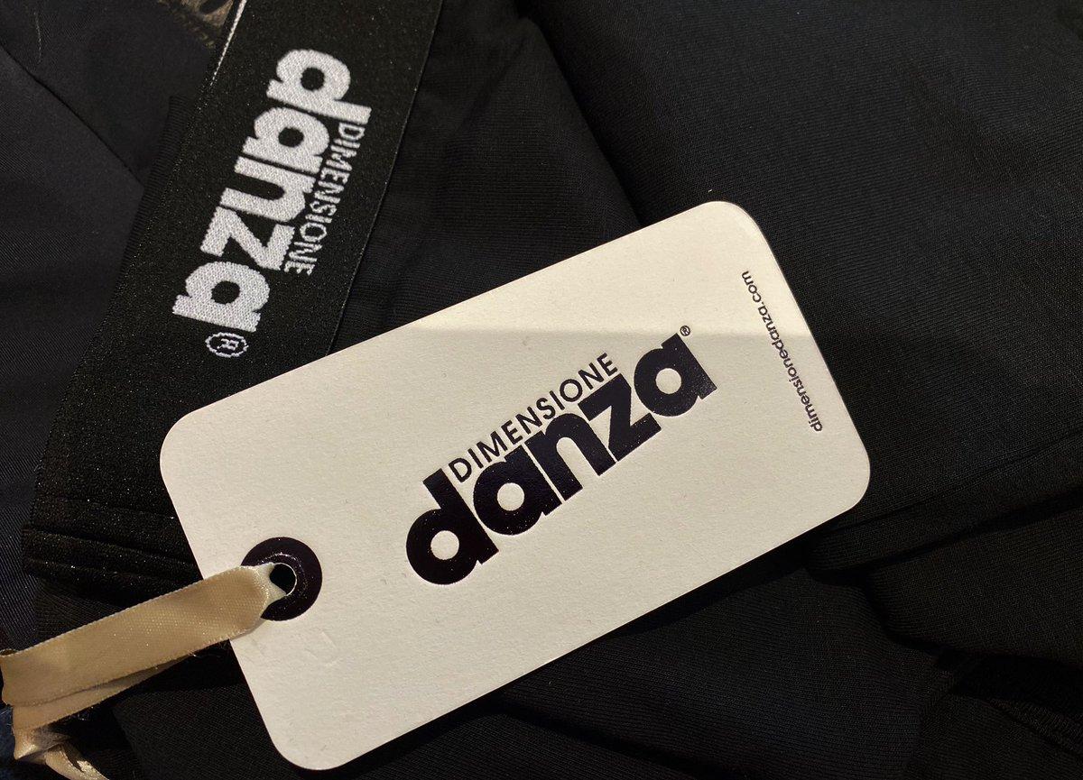 New F/W 2020-2021 Dimensione Danza Athleisure Collection Available at Balletto Dance Shop Bordeaux  25, Rue Condillac #athleisure #yogagirl #pilates #dance https://t.co/16uBfkL6tc
