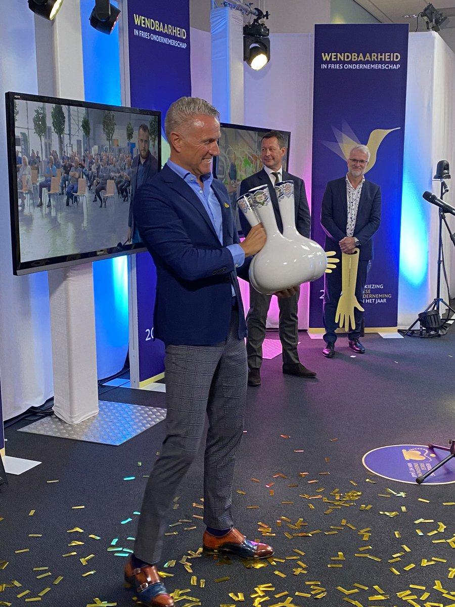 De winnaar van de Verkiezing Friese Onderneming 2020 is geworden @frieslandlease! Gefeliciteerd met deze overwinning! 🎉  #vfoprijs #vfo2020 #wendbaarheid #ondernemerschap #Friesland #Fryslân https://t.co/80QpyIa2sb