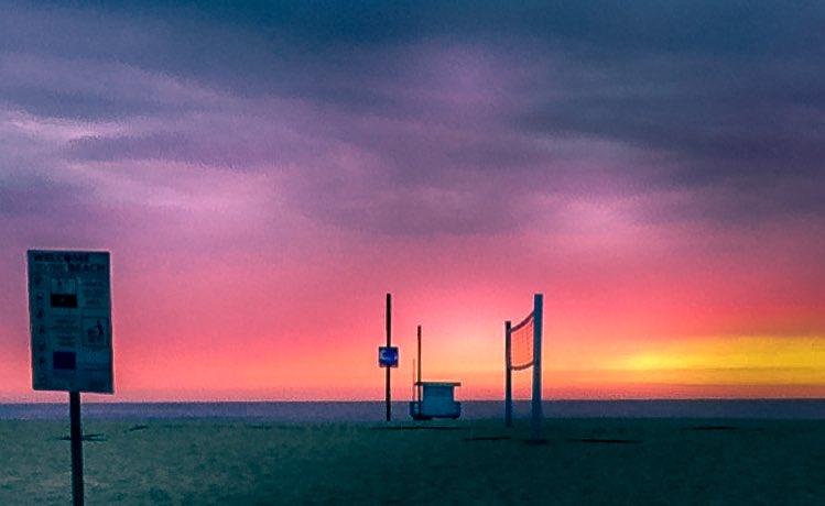 Venice Beach... . . . .  #getlost #explorer #optoutside #worldshotz #instapassport #la #landscapes #landscape_photography #pixel_ig #landscape_hunter #landscape_lovers #venice #venicebeach #venicecalifornia #richardgreenla #sunset https://t.co/0ONCQKJeKI