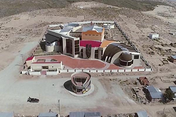 """De 352 proyectos del programa """"Evo Cumple"""" de Oruro, solo 50 se ejecutaron- https://t.co/A8gTksgftW https://t.co/XtLGDJtdCW"""