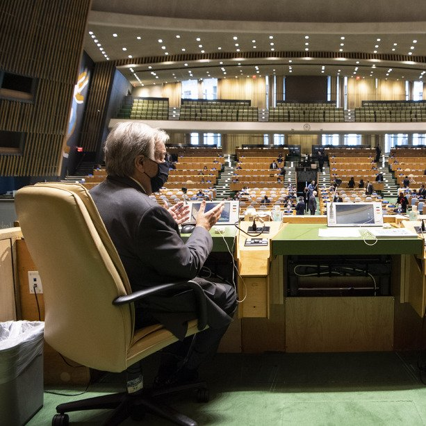 COVID-19 has laid bare the world's fragilities.  Rising inequalities. Climate catastrophe. Widening societal divisions. Rampant corruption.  The pandemic has exploited these injustices, preyed on the most vulnerable & wiped away the progress of decades.  -@antonioguterres #UNGA https://t.co/HO9GrYX5qN