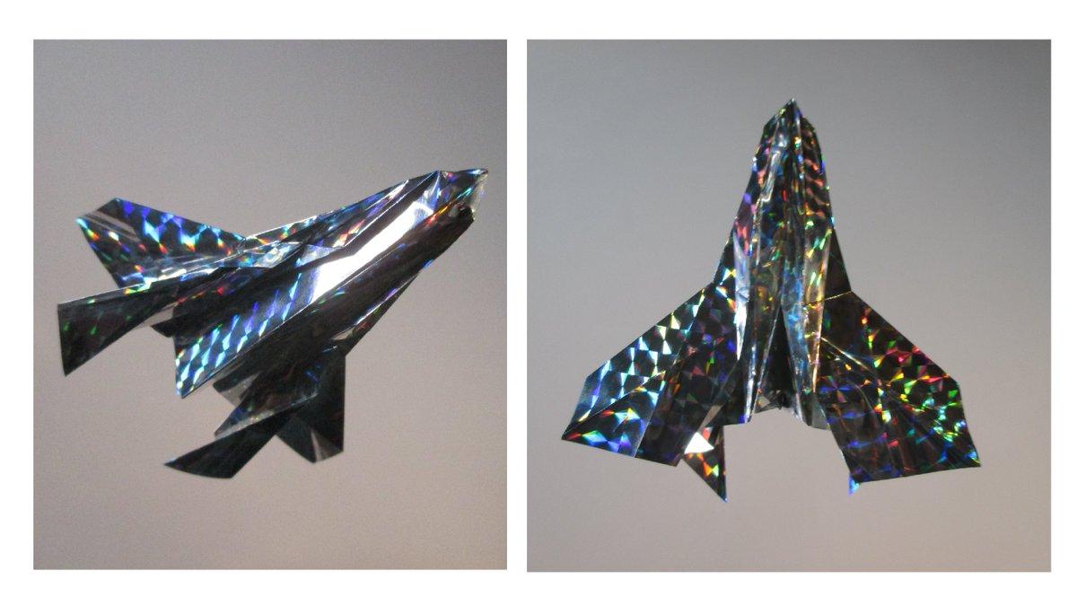聖書《しかし、わたし(イエス)が神の御霊によって悪霊どもを追い出しているのなら、もう神の国はあなたがたのところに来ているのです。 マタイ12:28》 #origami  #折り紙 #おりがみ飛行機 #折紙 #アート #折り紙作品  #架空機 #創作 #art  #紙飛行機  #paperplanes #紙ヒコーキ #聖句  作品紹介! https://t.co/yuikdUmVxy