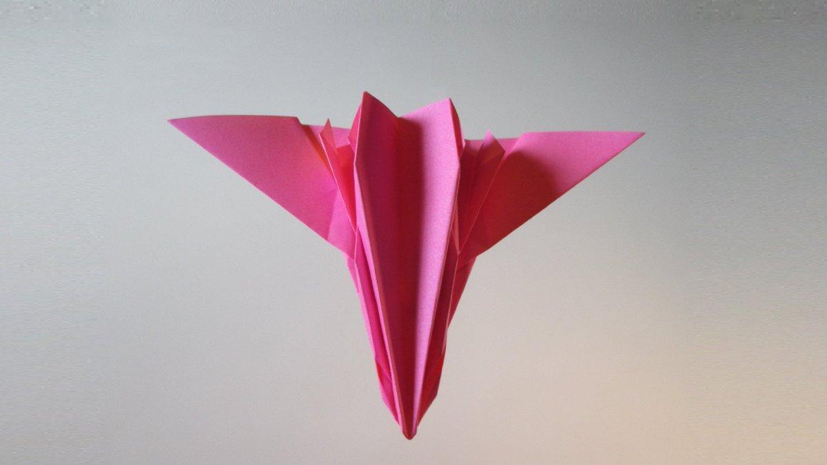 聖書《ニネベの人々が、さばきのときにこの時代の人々とともに立って、この時代の人々を罪ありとします。ニネベの人々はヨナの説教で悔い改めたからです。しかし見なさい。ここにヨナにまさるもの(イエス)があります。 マタイ12:41》 #origami  #折り紙 #アート #折り紙作品  #創作 #art #紙飛行機 https://t.co/C8vUWQ0SRz