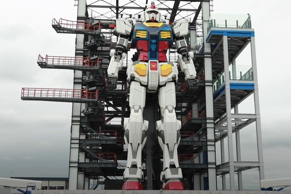 El robot Gundam de Yokohama ya muestra cómo camina desde sus 18 metros de altura https://t.co/VtMKEPlbO3 https://t.co/p3RxAwro6x