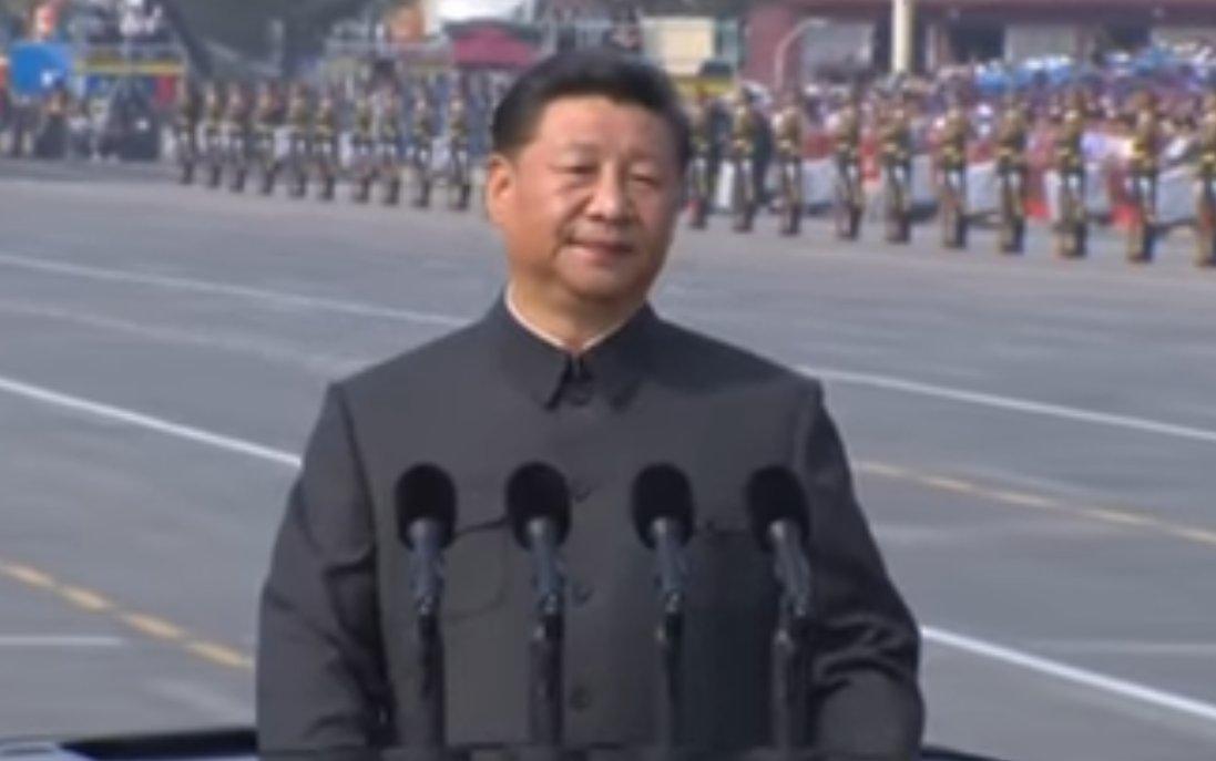 """中国が覇権を握れば日本がどうなるかはチベット、ウイグル、香港を見れば分る。アヘン戦争以来の""""百年の恥辱""""を晴らす為に建国百年の2049年までに覇権奪取を公言する中国。私達は自由・人権と自らの生存の為に今、何をやらなければならないか。""""未来の日本を殺す""""媚中派の日本人が私には信じられない。"""