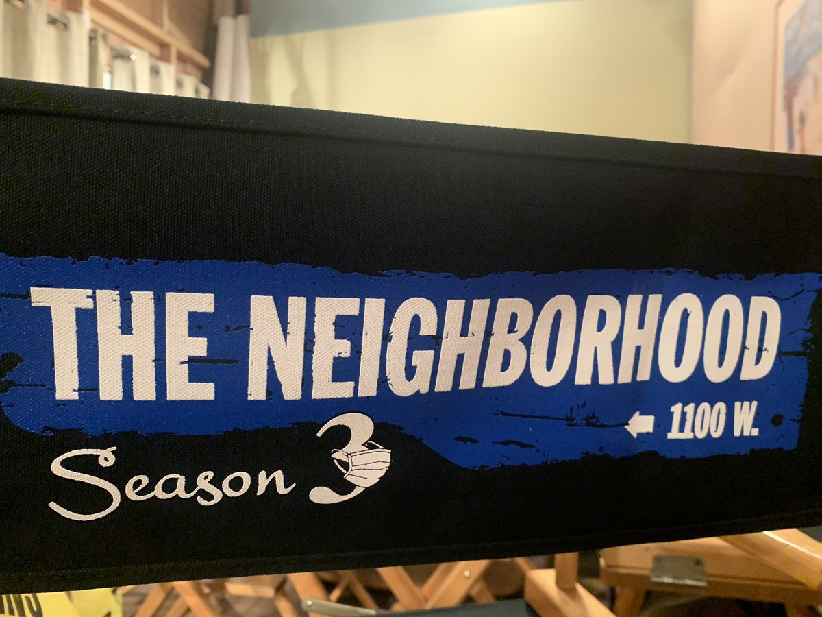 Were back. @TheNeighborhood season 3😷😷😷😷