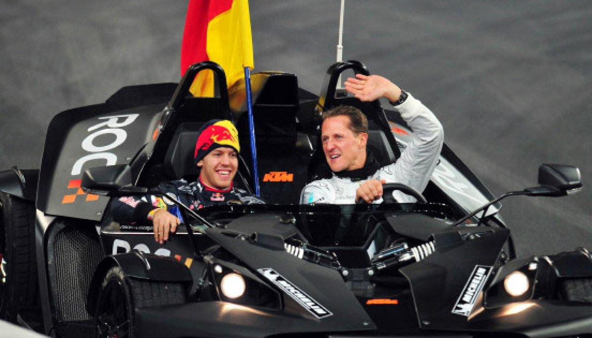 Siempre es lindo tener presentes a nuestros ídolos, y más si son dos fenómenos. #Foton #Vettel #Schumacher https://t.co/cxiDeFysa8