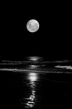 🌙😍  #moon #moonphotography #moonlight https://t.co/crFhqd2Mss