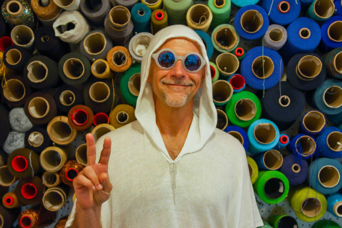 Meet the 'psychedelic concierge' to the stars trib.al/HDAtkcL