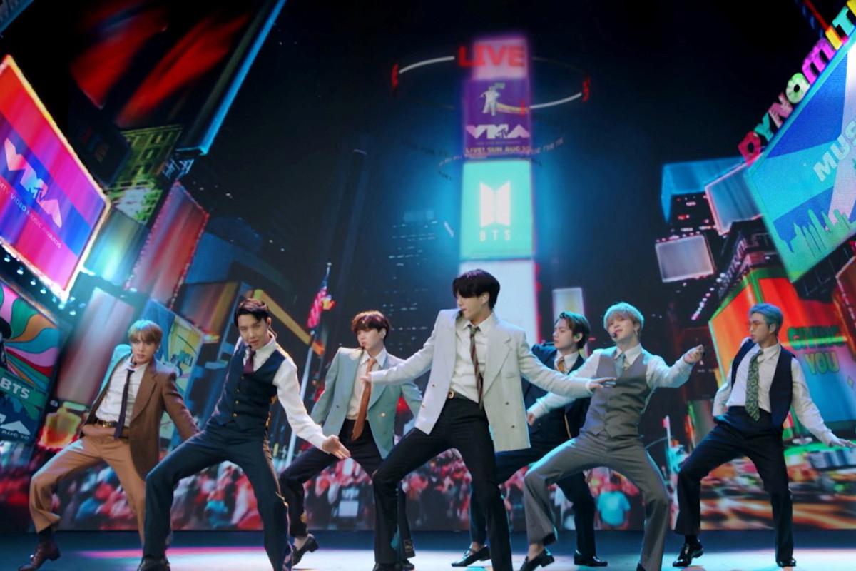 Dynamite week: BTS sets Tonight Show residency, Tiny Desk record trib.al/jXidHOI