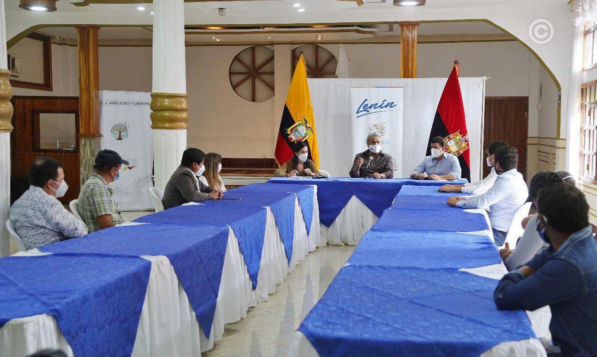 """Con el fin de garantizar la sostenibilidad del sector lácteo el presidente @Lenin Moreno anunció la implementación de la """"#ReservaEstratégicaLeche"""" para fortalecer el mercado nacional e internacional y productos lácteos ecuatorianos. #SembramosFuturo https://t.co/rZ8XxqebgY"""