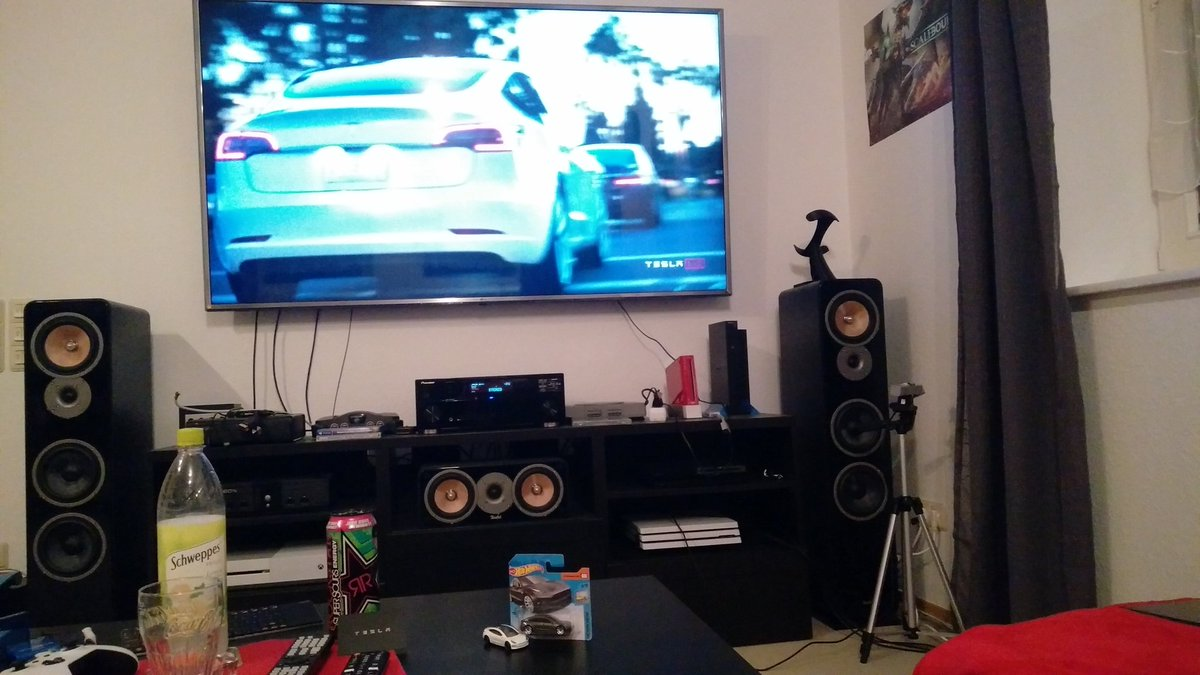 """Ready for #BatteryDay. 75"""" TV, energy drink to keep me awake (might not be needed due to excitement) and my @Tesla #HotWheels to keep me company. https://t.co/nT9OTVqviU"""