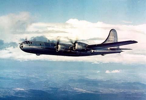 American Superfortress bomber has been in design since 1939, aiming for an operational range of 2,667 miles: allowing USA to bomb Nazi Europe if Britain fell to Germans. In theory, B-29 can fly higher (31,850ft) & faster (350mph) than  almost any Axis fighter plane. https://t.co/UfWy7SBsda