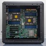 Image for the Tweet beginning: 小型ATXケースにE-ATXマザーボードを打ち込む! 側面の開口部はマザーボードより小さい!  #自作PC