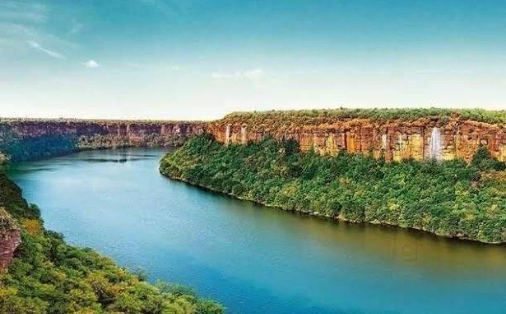 Did You know?   There has been quite a lot misconceptions about Chambal River also known as Charamvati River and Itihas of its origin.   The Itihas of Charamvati is very old and finds mention in an Upakhyana in Mahabharata.