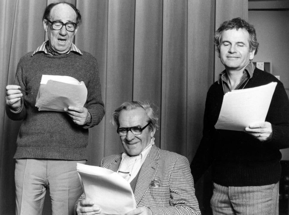 Have to acknowledge Bilbo and Frodo Baggins from The 1981 BBC Radio Series   John Le Mesurier (Bilbo) and  Sir Ian Holm (Frodo) with Sir Michael Murray Hordern as Gandalf  #LOTR #HobbitDay https://t.co/L9D4En4x1L