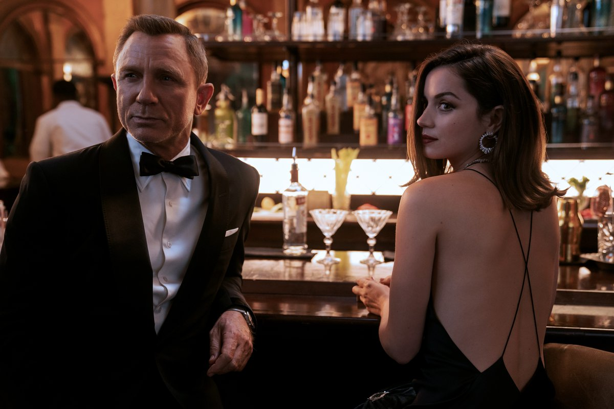 Dressed to kill. Bond and Paloma from #NoTimeToDie, in cinemas this November. https://t.co/BBgo6cvWp7