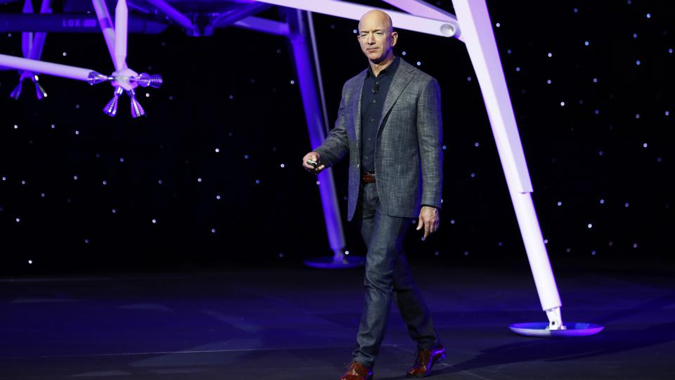 Jeff Bezos announced the first Bezos Academy, a free preschool for students from low-income families https://t.co/kFyuHGZlMu by @AngelAuYeung https://t.co/73c7kOsGBF