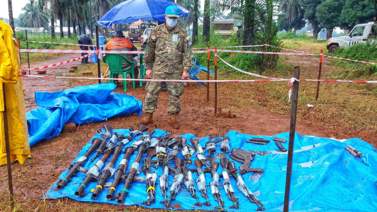 #photooftheday | A @UN Military Observer (MILOB) inspects weapons handed over by former members of armed groups.   The @uepnddrrcaf launched the disarmament and demobilization process in Bria on 14/09, with the logistical, technical and security support of #MINUSCA . #A4P https://t.co/eIJTiTevEt