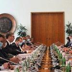 Image for the Tweet beginning: Sastanak delegacije Srbije predvođene @predsednikrs