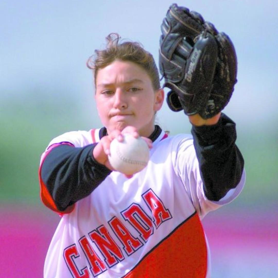 En ce jour en 2000, l'athlète de softball Vicky L. Leblanc a concouru avec l'équipe canadienne de softball à Sydney aux Jeux olympiques. Si vous voulez plus d'informations sur Vicky et ses réalisations, cliquez sur le lien ci-dessous! https://t.co/CyIDIzSavd #womeninsports https://t.co/bkb5IknCas