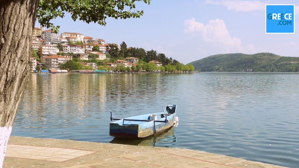 View of the city of Kastoria and Lake. #Kastoria #greece #greececom https://t.co/VKeDxUX6AD https://t.co/21zkO7Weef