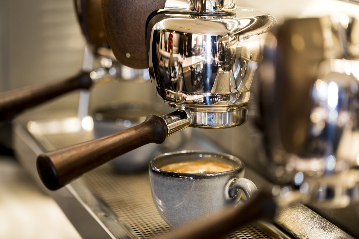 Refuel with a delicately crafted espresso creation made with Caffè Umbria coffee during your next stay. Reopening soon, [esc] is the place for elevated, grab-and-go snacks and drinks. https://t.co/Xj7g9hfCWd