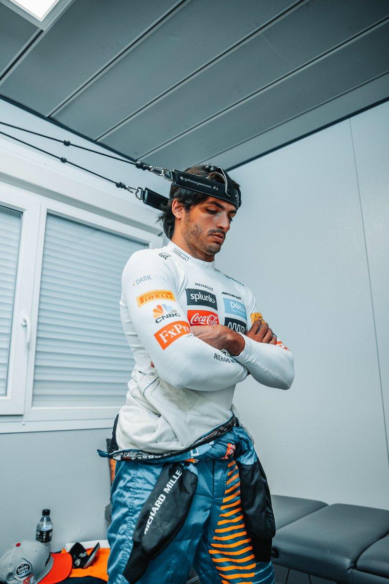 ⚡️G ready! - @McLarenF1 @EG00  #Carlossainz https://t.co/qfE2I7oe7n