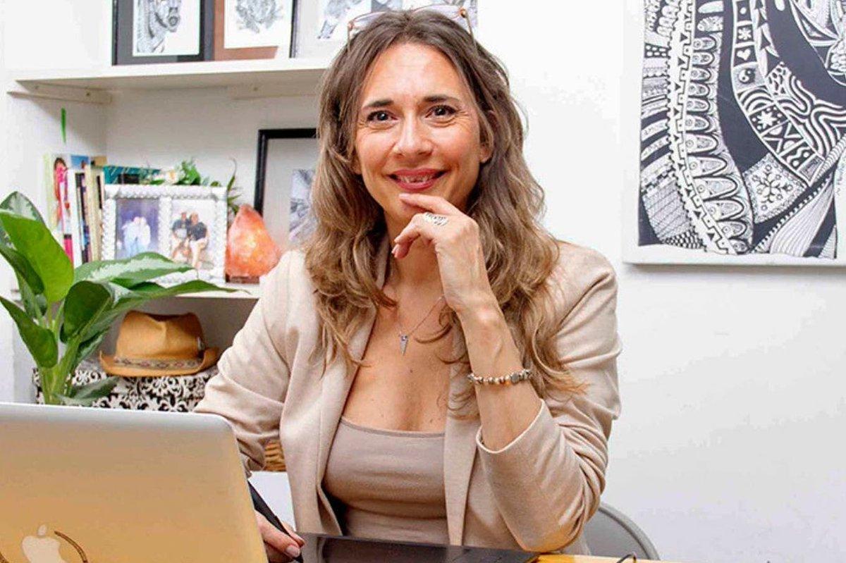 Cómo montar un curso online sin ayuda: el ejemplo de María Eugenia Llorente https://t.co/4fLNePPNZl https://t.co/xNxeifxzwv