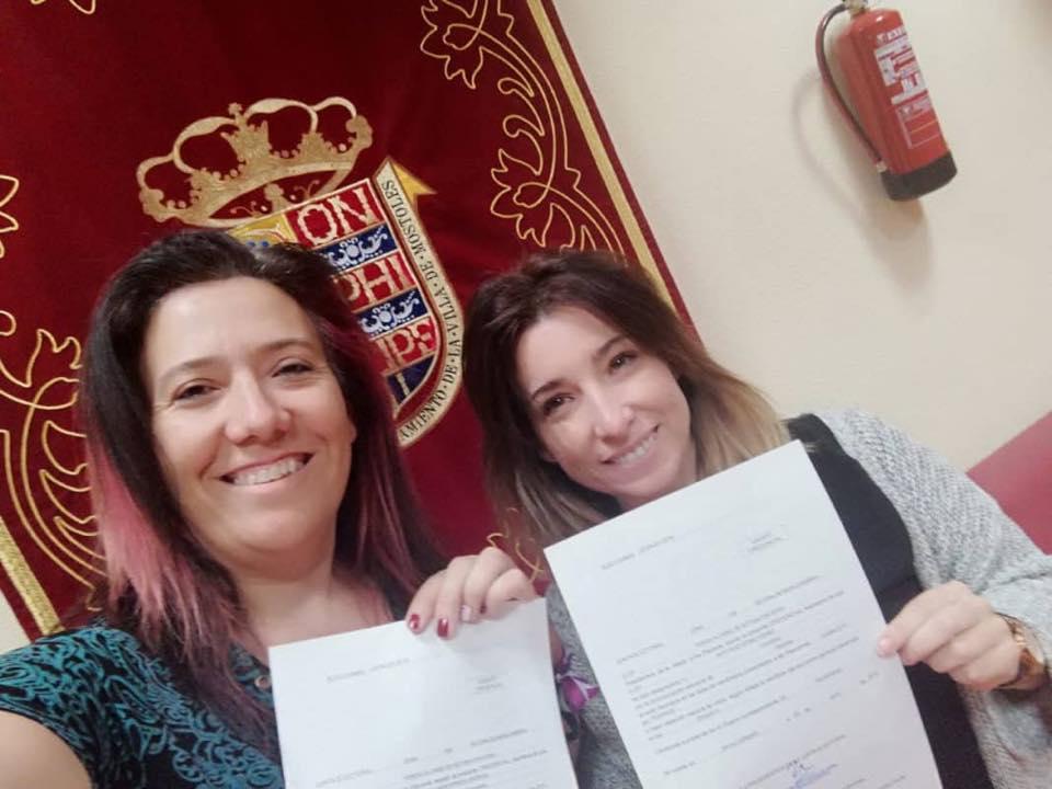 👑@PodemosMostoles que gobierna el @AytoMostoles junto al @PSMostoles llevará al próximo pleno, que ha sido aplazado hasta nueva fecha, una propuesta para retirar la medalla de Honor de Móstoles concedida en 2008 al Rey emérito Juan Carlos I   ➡️💻📲 https://t.co/XMh2ulFgMq https://t.co/QFhcrFEiM9