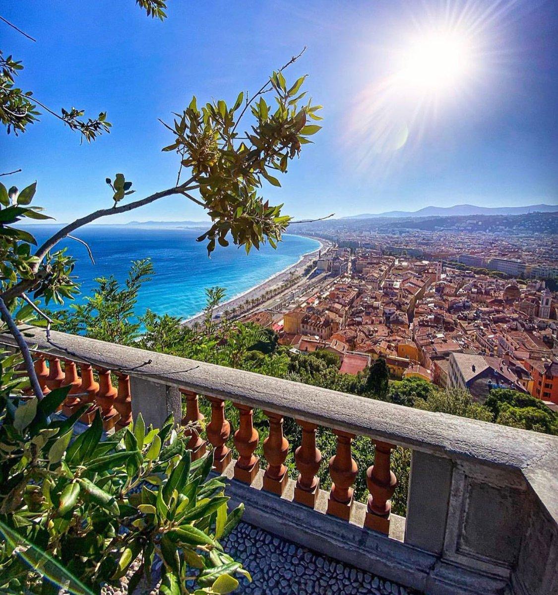 Bonjour ! Bonne journée à tous et merci à chrispix pour sa belle photo ! #Nice06 #NissaLaBella #ILoveNice https://t.co/wXWXjqd3f1