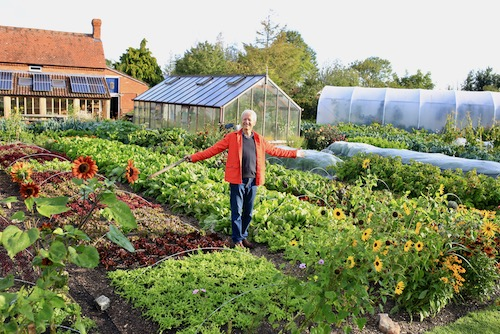 Grow all four seasons with my 2021 Calendar -  sowing dates mid February to early November, monthly no dig advice, glorious Homeacres photos two per month, based on zone 8 temperate oceanic climate: if cooler, sow 1-3 weeks later spring & earlier from July https://t.co/6yajI9aDNX https://t.co/iG7pNL3YqY
