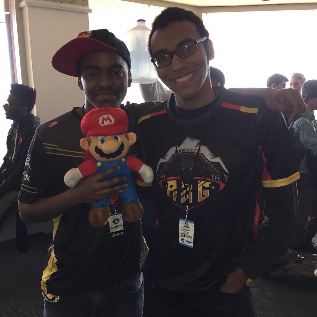 Im finally a Tier 3 sub for @Dark_Wizzy_ ! My favorite Twitch streamer so far. Happy and proud to support the guy. Flashback to when I met ya at Collision last year, hopefully when offline majors come back we could meet again and play some offline sets and friendlies! 😁