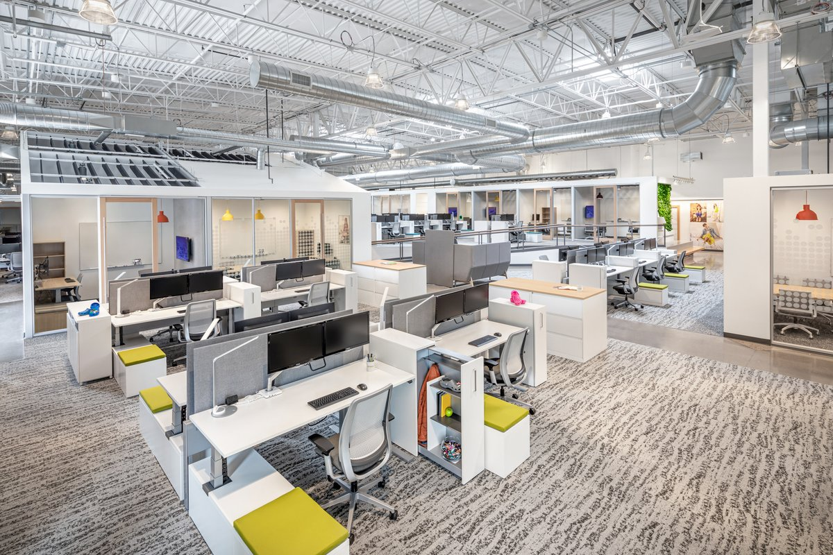 We're excited to see #Venture's design for @Crocs' new headquarters featured in #OfficeSnapshots!  Rather than feeling like a vast warehouse, the new space reflects an effort to interpret their company, culture and product architecturally. https://t.co/BUdekaSryv https://t.co/swNqBTyGx8