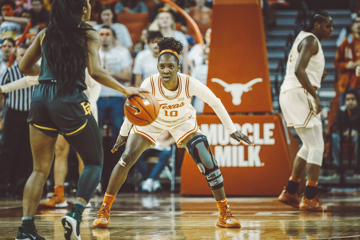 Happy Birthday to @IMMA_BALLER10, who is now playing professionally in Spain.   #Longhorns4Life | #HookEm 🤘 https://t.co/C92k5kLQvl